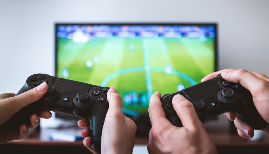 Benefits of online video games to kids